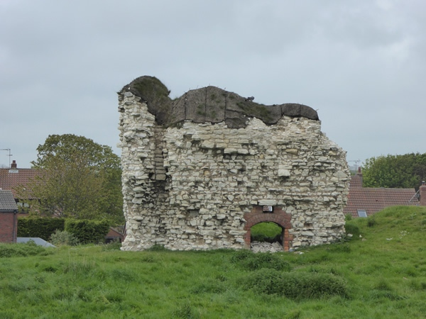 flamborough-castle-remains