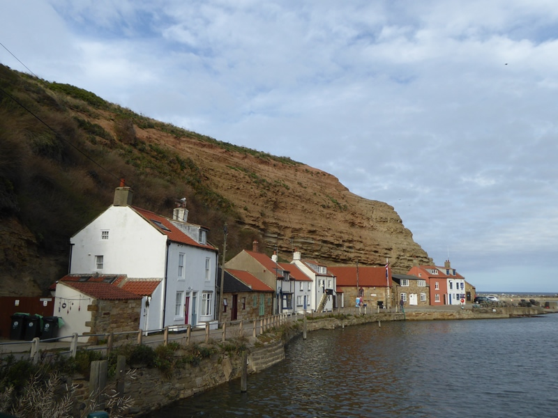 Staithes-Cow-Nab-backdrop