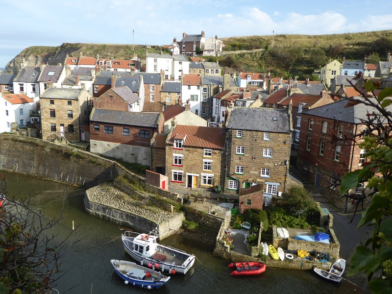 Staithes-view-from-road-to-Cow-Nab